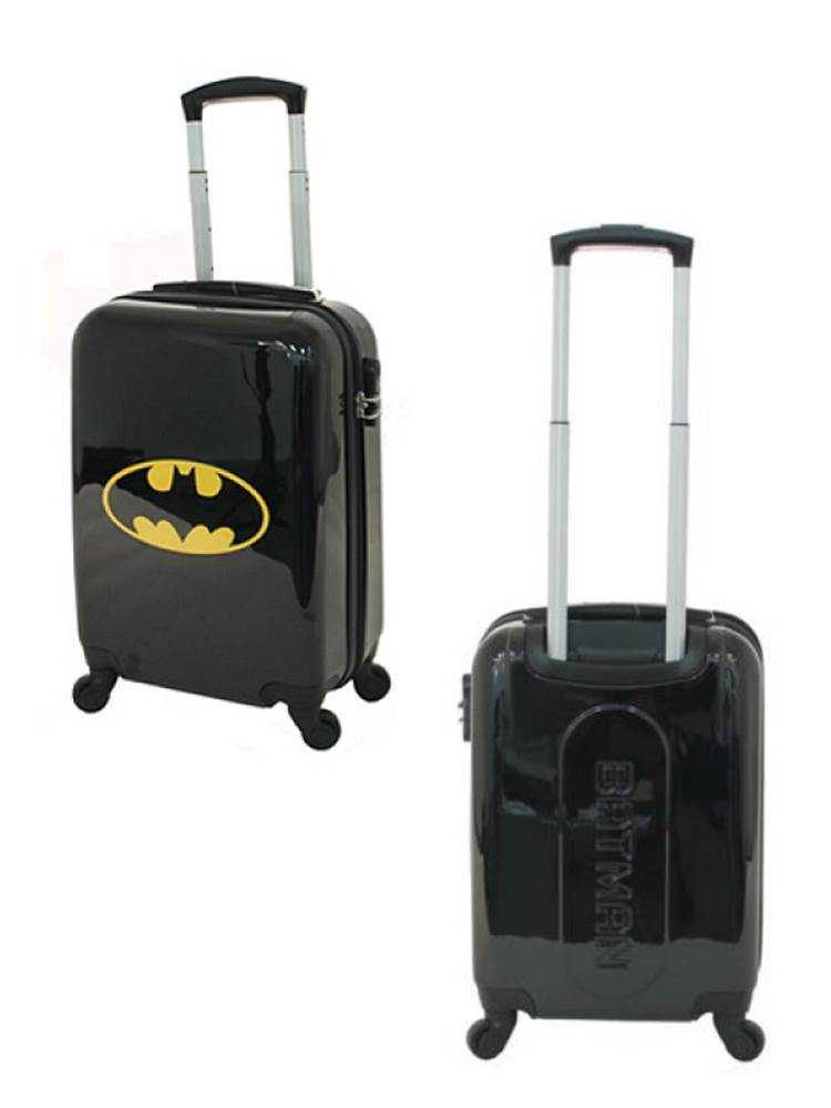 DC Comics Batman : Carry-On Luggage - 4 Wheel Spinner 19 inch by ...